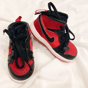Air Jordan's 1 mid - toddler size 5 - Nike